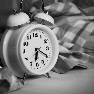 Why Traditional Alarm Clocks are Better than Smartphone Alarms
