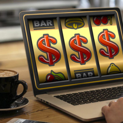Calculating online slot game probabilities