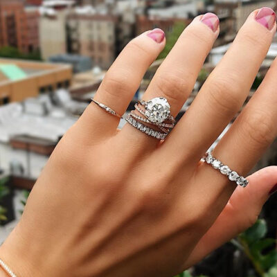 Your guide for buying a couple diamond rings