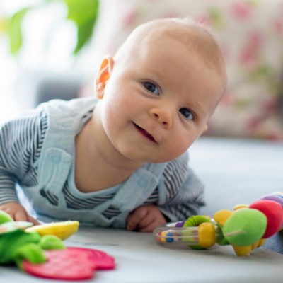 How to clean your baby's toys safely?